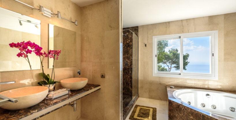 villa-279-6-bedrooms-es-cubells12.jpg