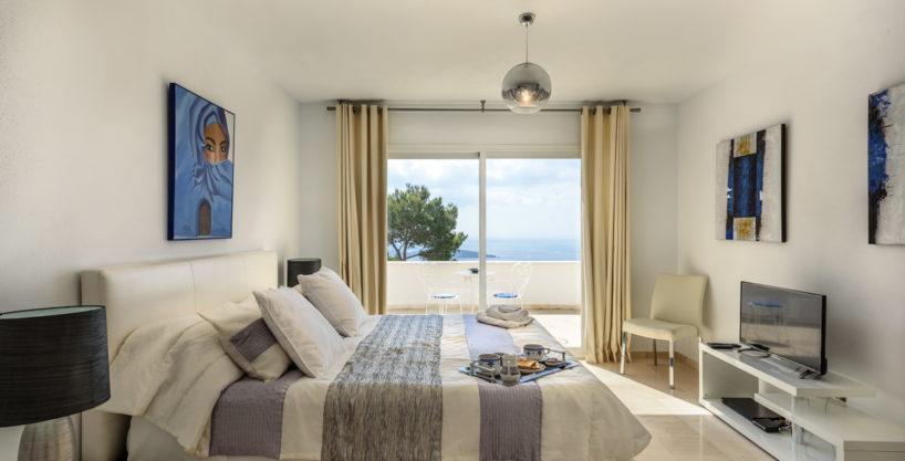 villa-279-6-bedrooms-es-cubells14.jpg