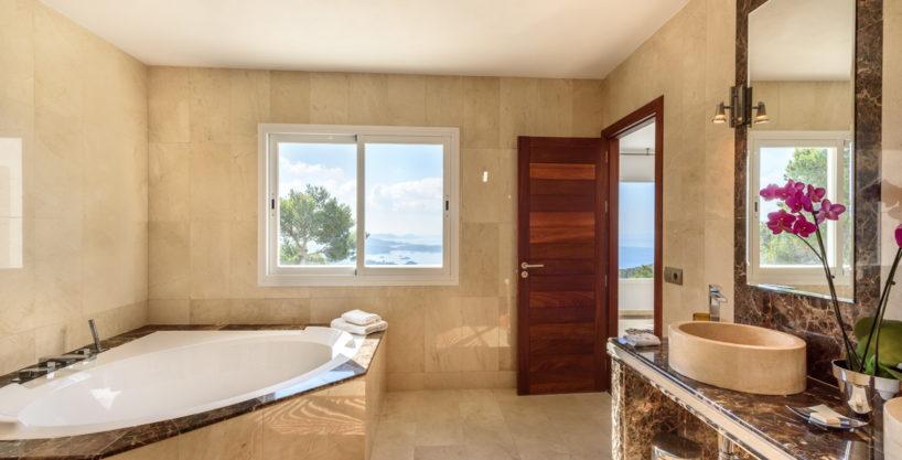 villa-279-6-bedrooms-es-cubells16.jpg