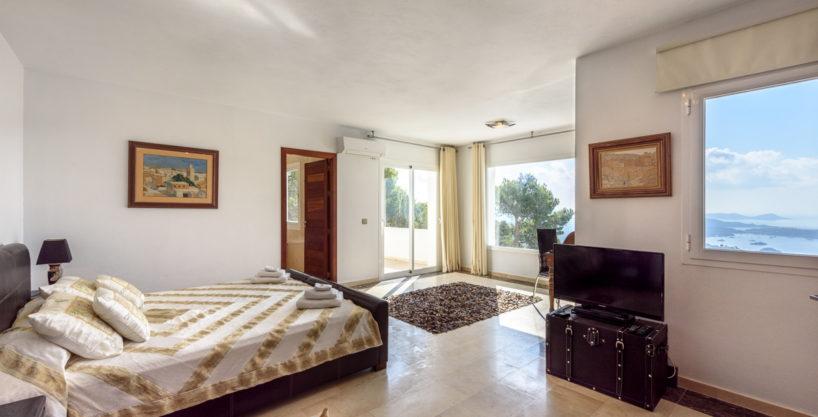 villa-279-6-bedrooms-es-cubells18.jpg