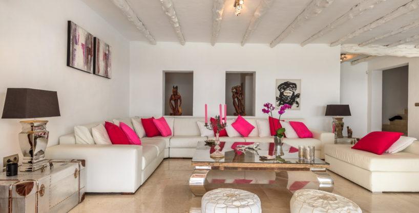 villa-279-6-bedrooms-es-cubells28.jpg