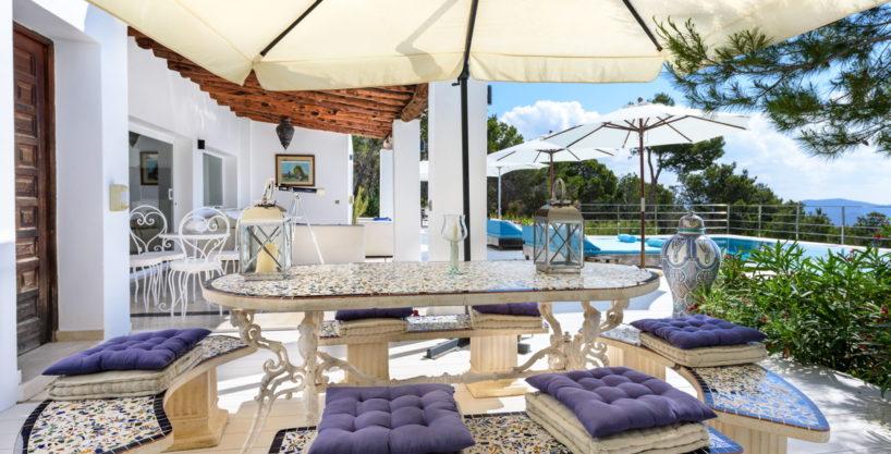 villa-279-6-bedrooms-es-cubells34.jpg
