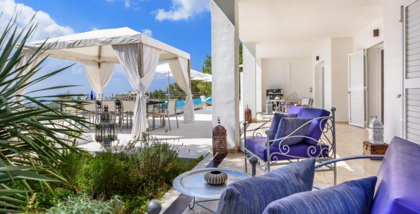 villa-279-6-bedrooms-es-cubells36.jpg