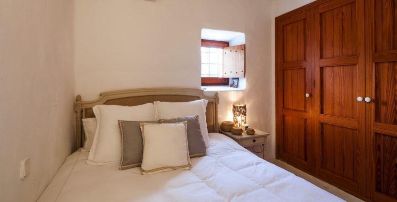 villa-325-6-bedrooms-san-josep28.jpg