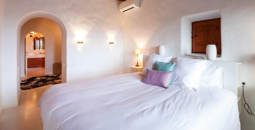 villa-325-6-bedrooms-san-josep30.jpg