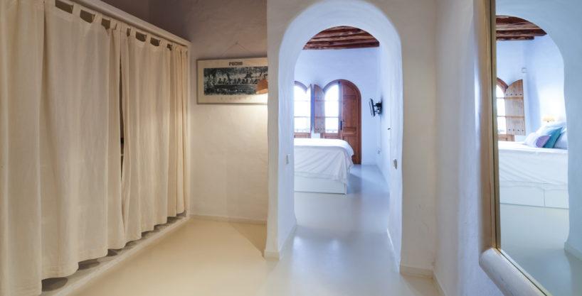 villa-325-6-bedrooms-san-josep31.jpg
