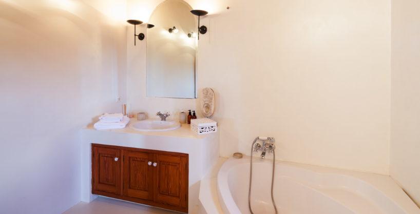 villa-325-6-bedrooms-san-josep32.jpg