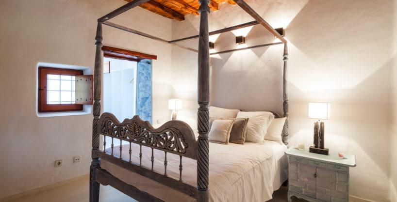 villa-325-6-bedrooms-san-josep38.jpg