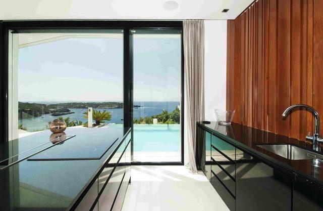 villa3303bedroomsescubells17.jpg