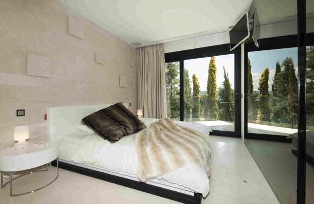 villa3303bedroomsescubells18.jpg