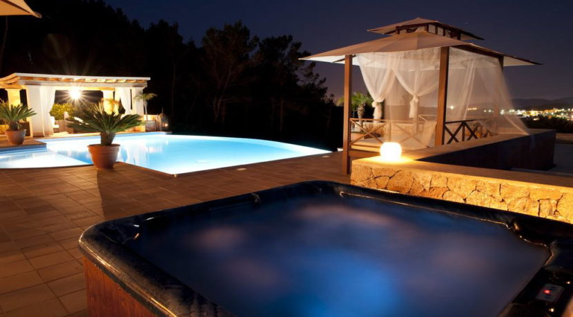 villa1206bedroomssantagertrudis12