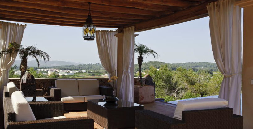 villa1206bedroomssantagertrudis13.jpg