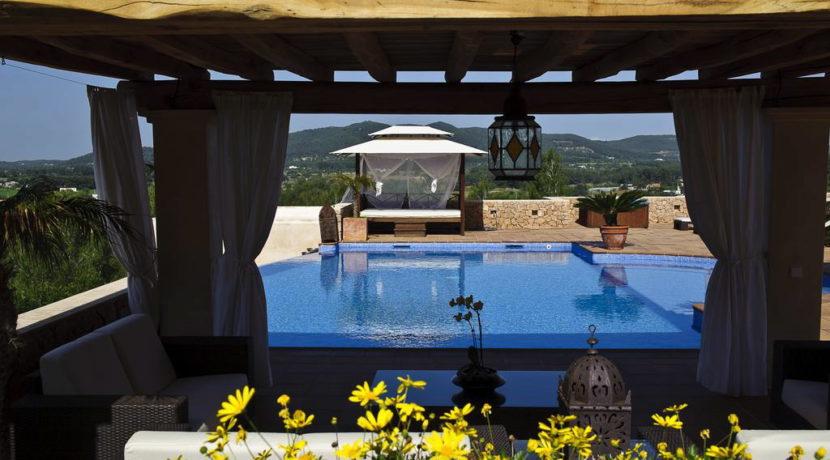 villa1206bedroomssantagertrudis17
