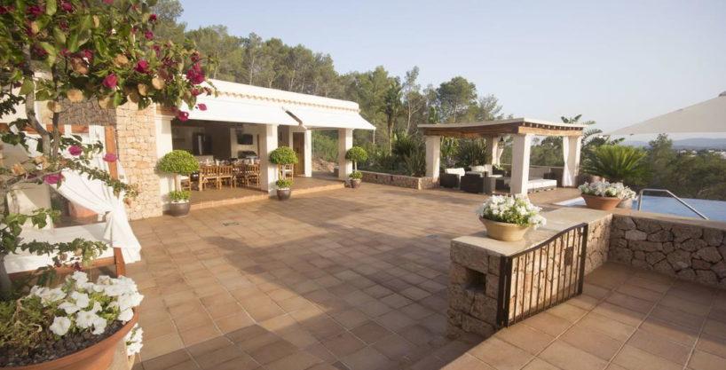 villa1206bedroomssantagertrudis29.jpg