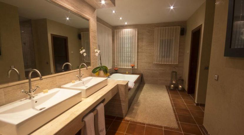 villa1206bedroomssantagertrudis33
