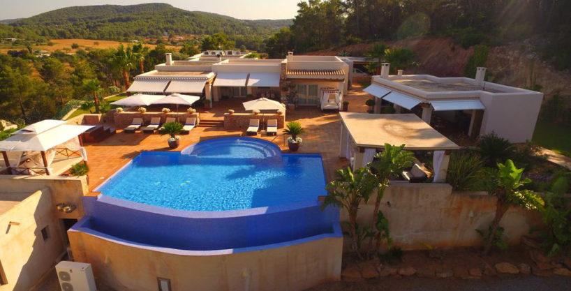 villa1206bedroomssantagertrudis36.jpg