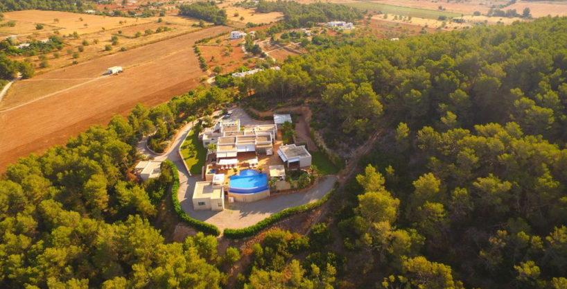 villa1206bedroomssantagertrudis37.jpg
