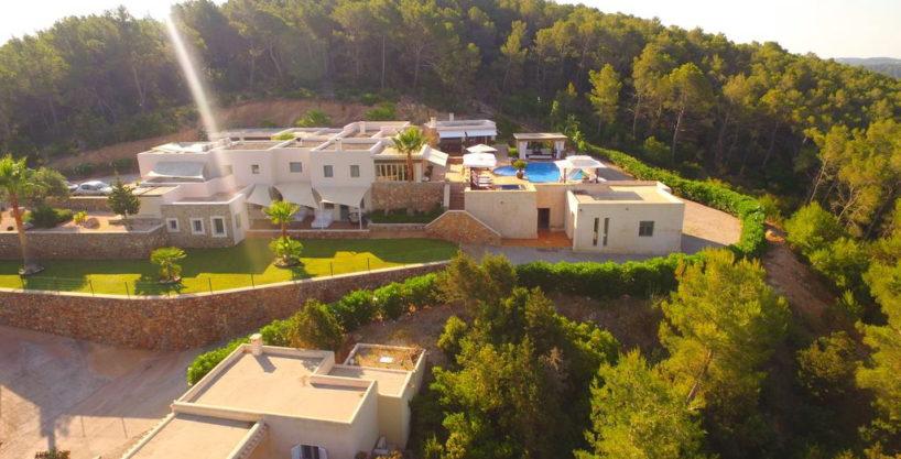 villa1206bedroomssantagertrudis38.jpg