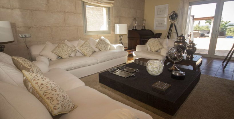villa1206bedroomssantagertrudis4.jpg
