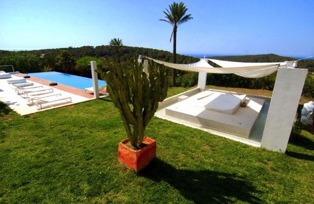 villa2246bedroomscalacomta7.jpg
