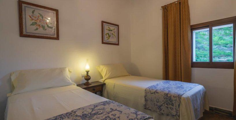 villa1494bedroomssantaeulalia13-1.jpg