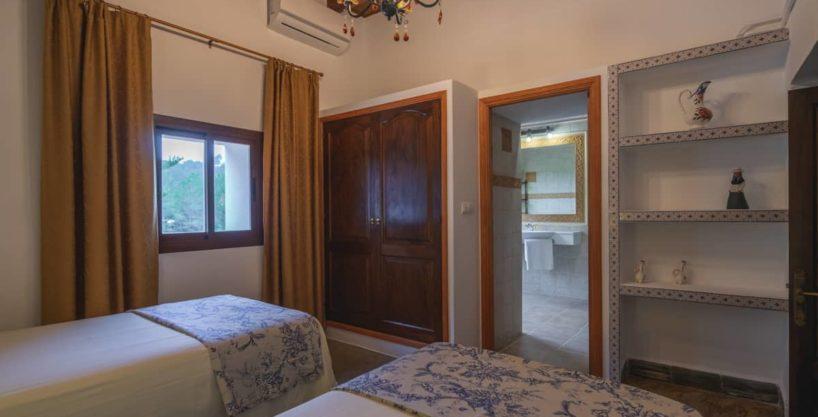 villa1494bedroomssantaeulalia15-1.jpg