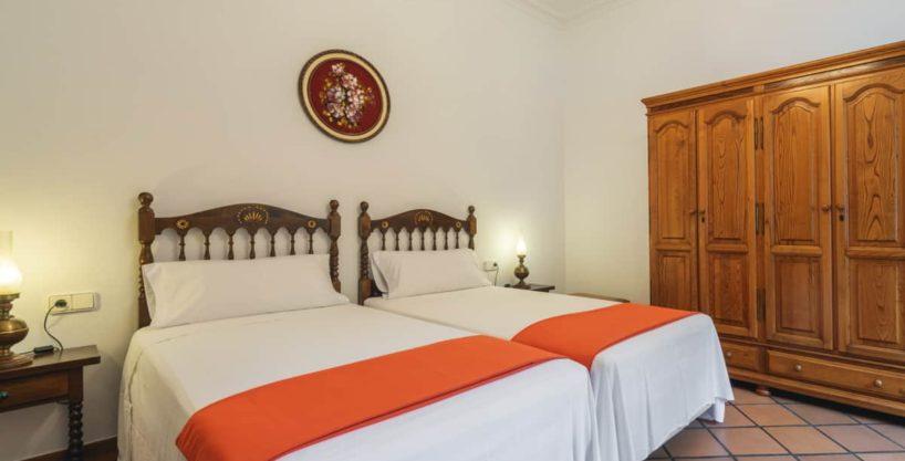 villa1494bedroomssantaeulalia3-1.jpg