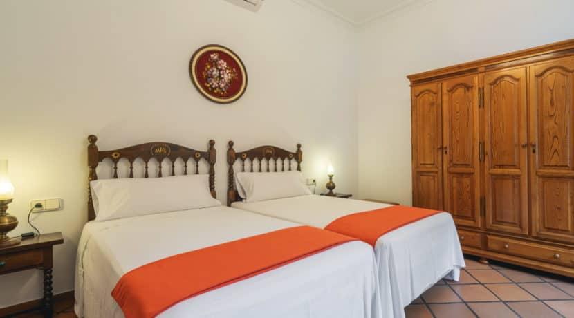 villa1494bedroomssantaeulalia3