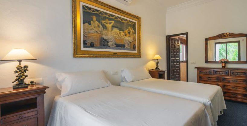 villa1494bedroomssantaeulalia4-1.jpg
