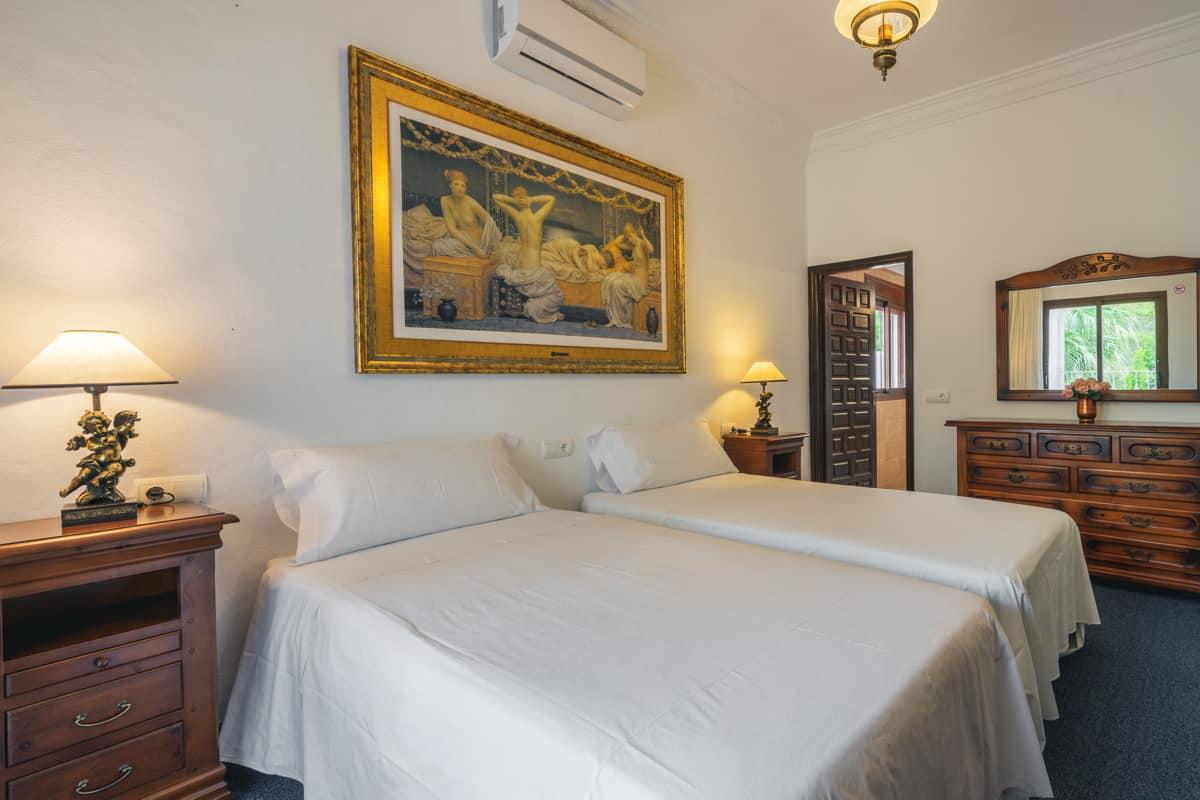 villa1494bedroomssantaeulalia6