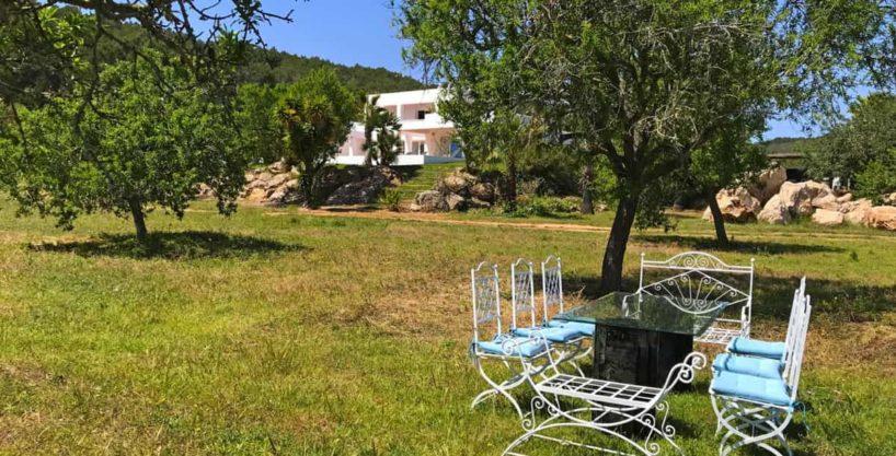 villa0615bedroomssanrafael15.jpg