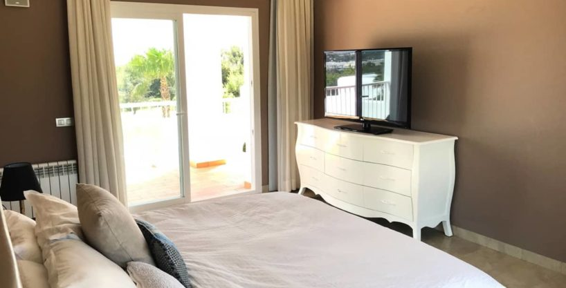 villa0615bedroomssanrafael20.jpg