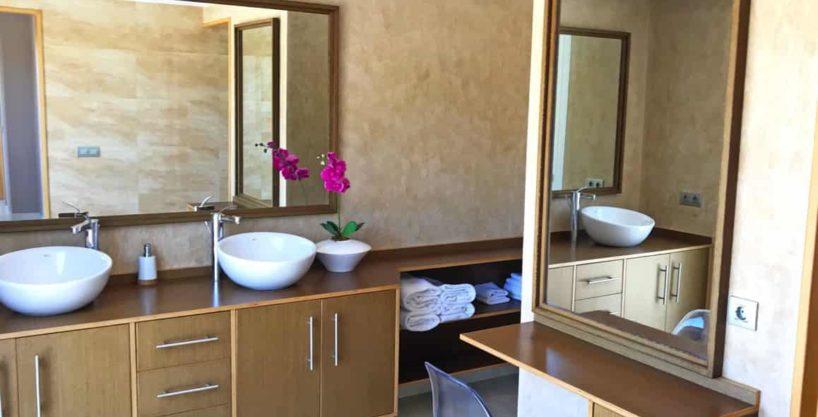 villa0615bedroomssanrafael21.jpg