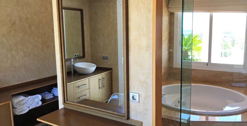 villa0615bedroomssanrafael22.jpg