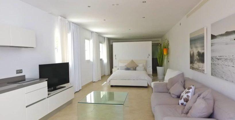 villa0615bedroomssanrafael26.jpg