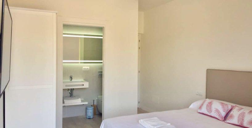 villa0724bedroomskm60.jpg
