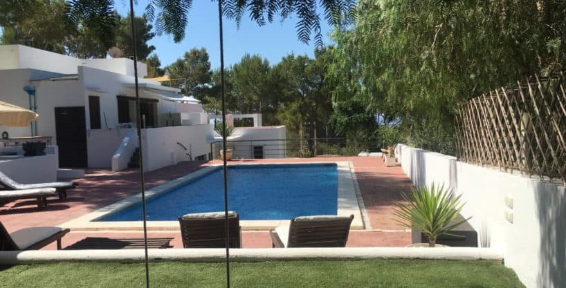 villa1304bedroomsibiza1.jpg
