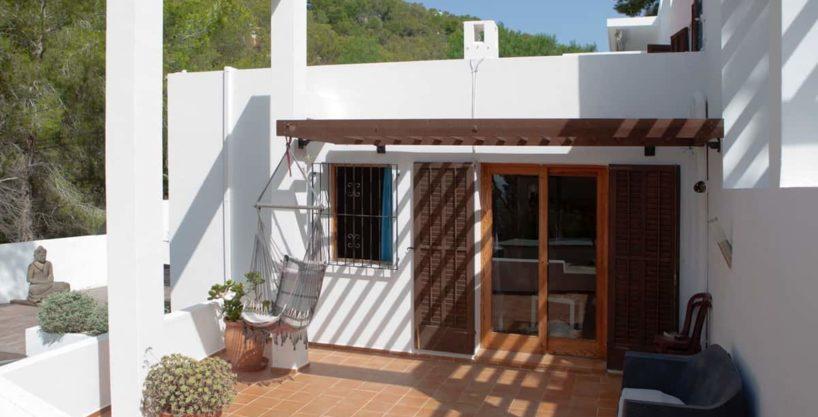 villa1304bedroomsibiza14.jpg