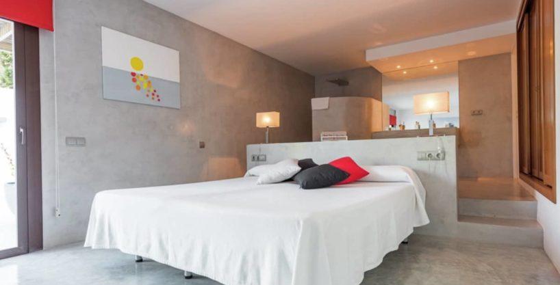 villa2306bedroomscalasalada8.jpg