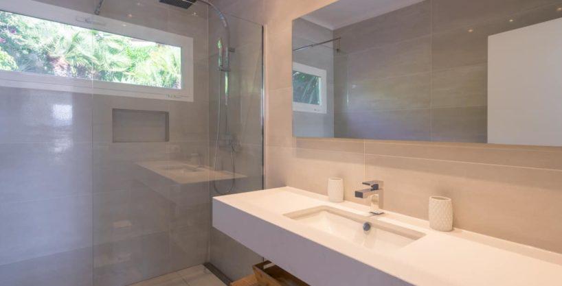 villa1125bedroomscanfurnet18.jpg
