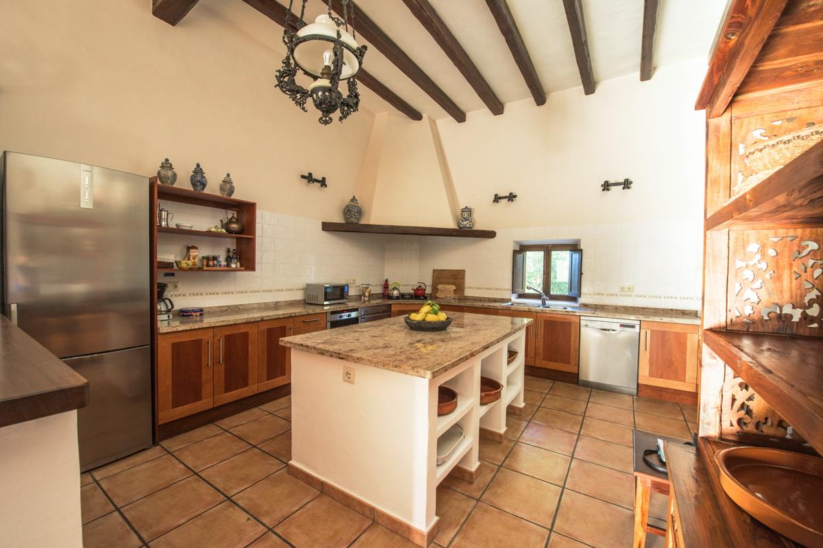 villa2705bedroomscalavadella19
