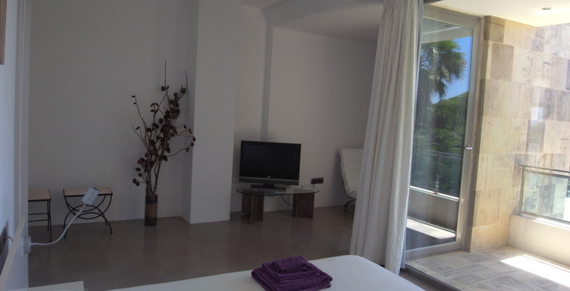 villa3334bedroomscalacomta13.jpg