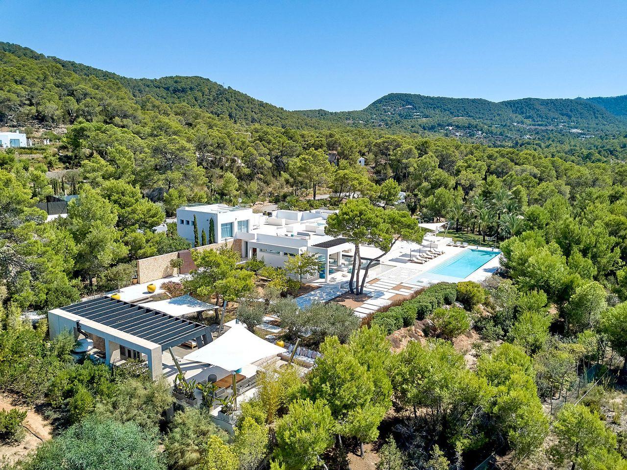 Villa 337-5-bedrooms-cala-tarida0