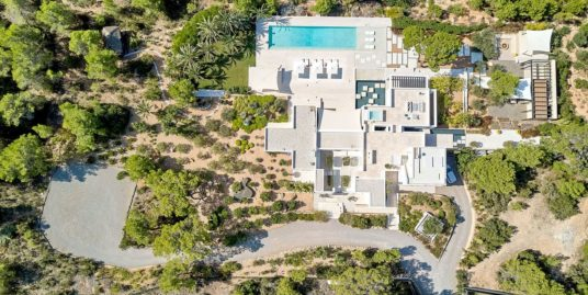 VILLA 337  5 BEDROOMS CALA TARIDA