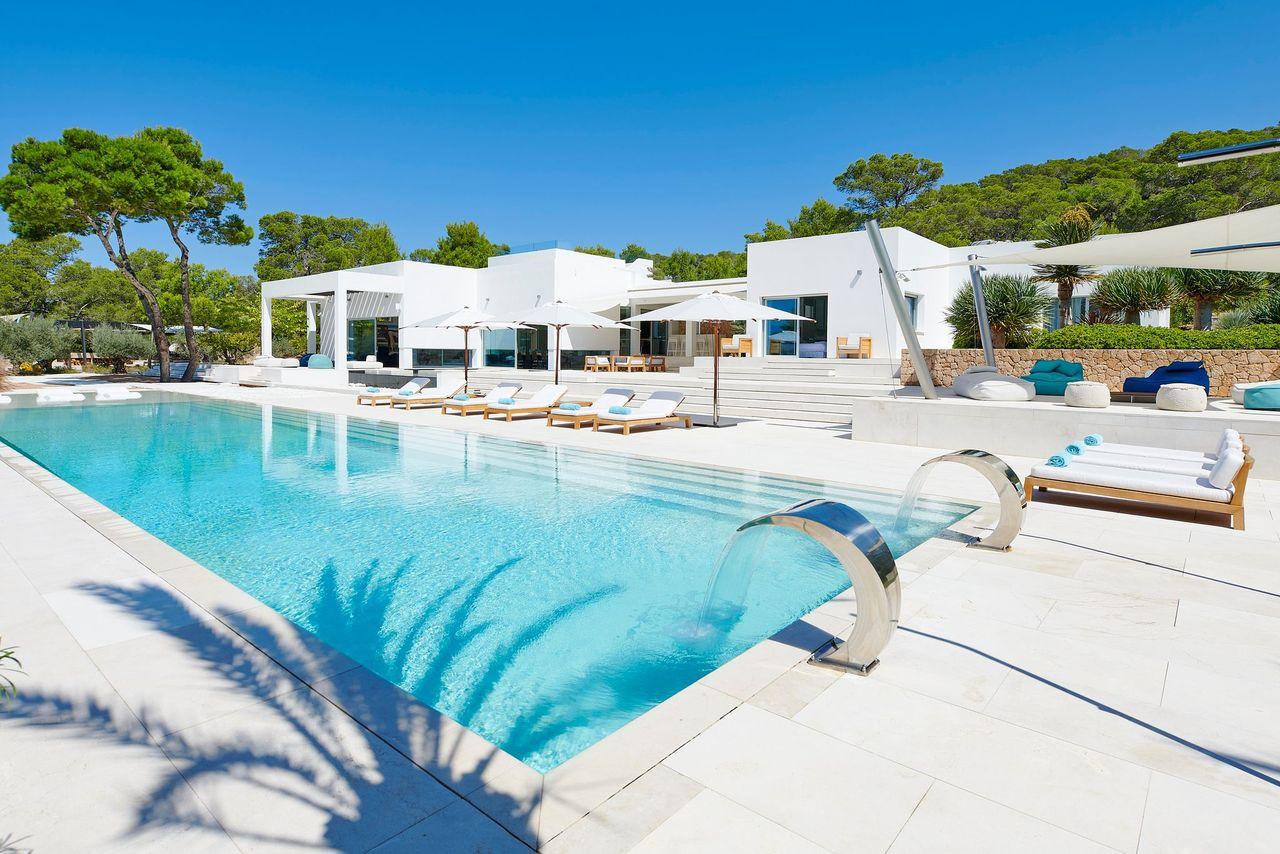 Villa 337-5-bedrooms-cala-tarida35