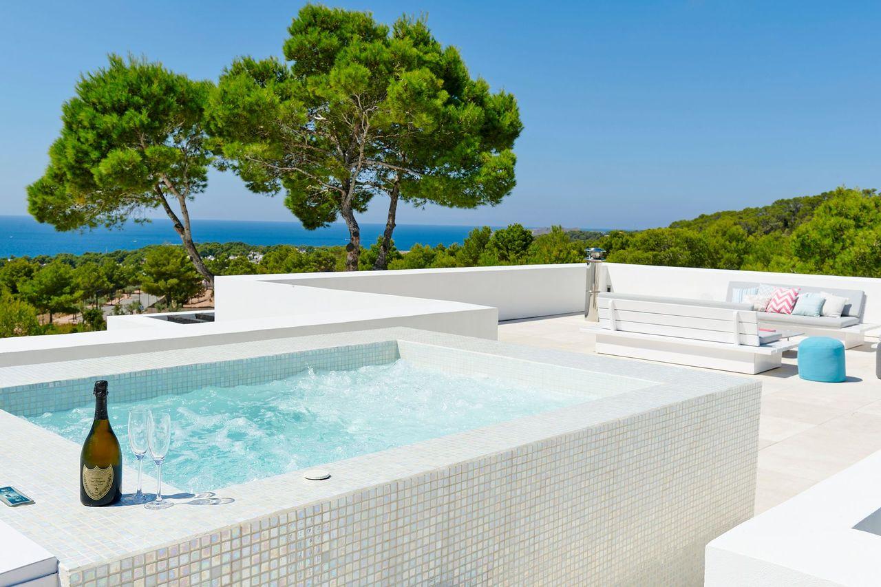 Villa 337-5-bedrooms-cala-tarida4