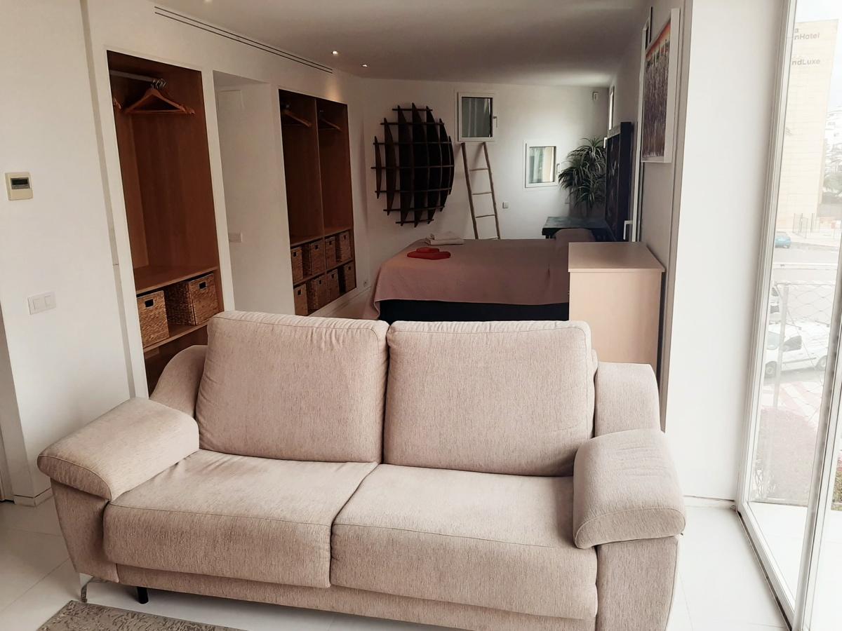 apartment10031bedroommarinabotafoch10