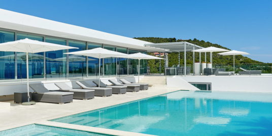 VILLA 348-6-BEDROOMS  CAP MARTINET