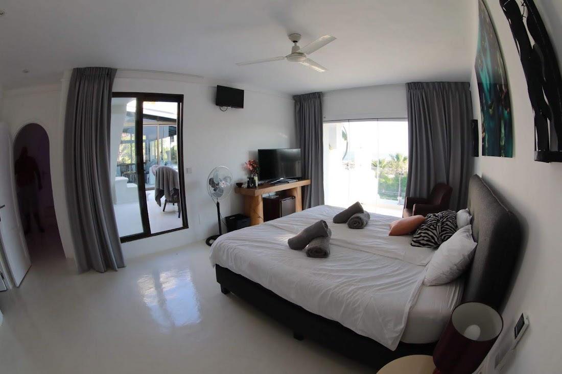 villa35315bedroomscapmartinet3